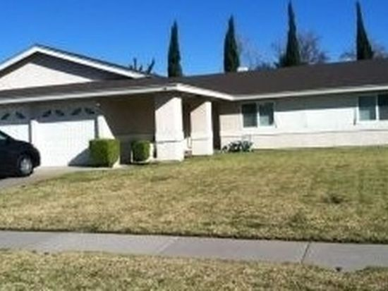 1037 S Arrowhead Ave, Bloomington, CA 92316