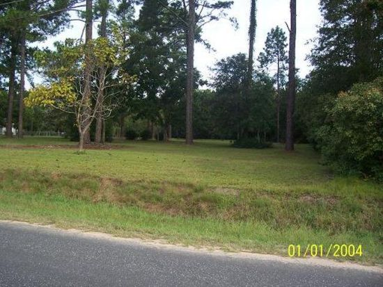1218 Doc Darbyshire Rd, Moultrie, GA 31788