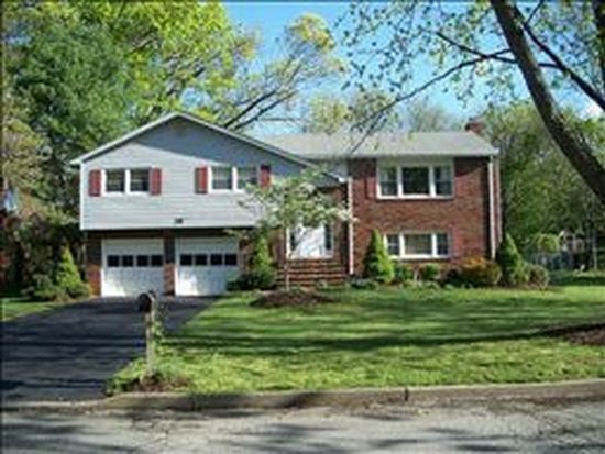 28 Holly Dr, Morris Plains, NJ 07950