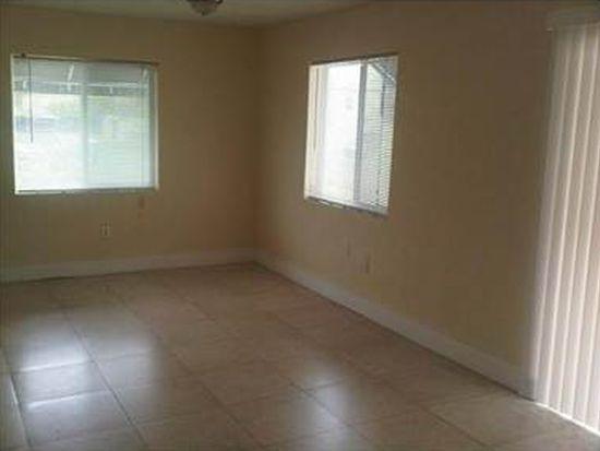 990 NW 1st St APT 9, Miami, FL 33128