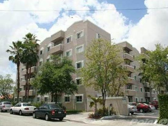 600 NW 32nd Pl APT 403, Miami, FL 33125