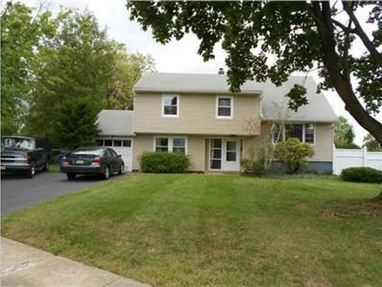 2 Simpson Rd, Somerset, NJ 08873