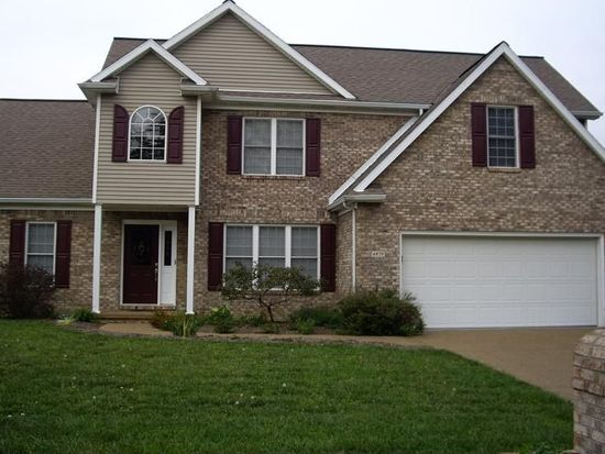 4879 Lincoln Pointe Dr, Newburgh, IN 47630