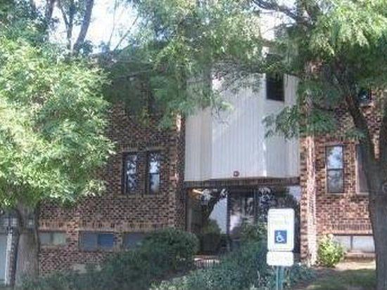 2222 Country Club Dr APT 15, Woodridge, IL 60517