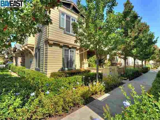49017 Meadowfaire Cmn, Fremont, CA 94539