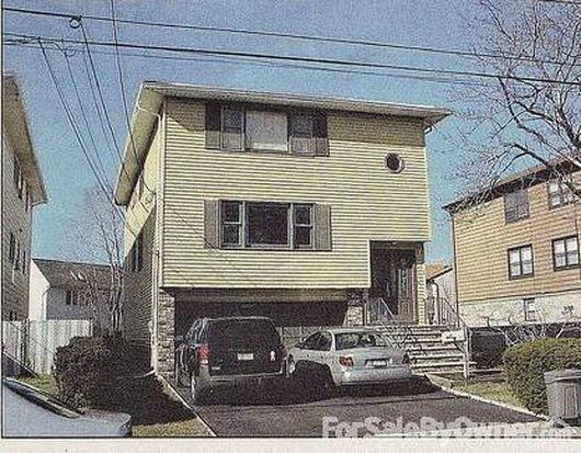 101 Gall Ct, Elmwood Park, NJ 07407
