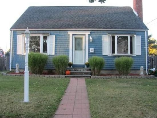 16 Griffin Rd, Peabody, MA 01960
