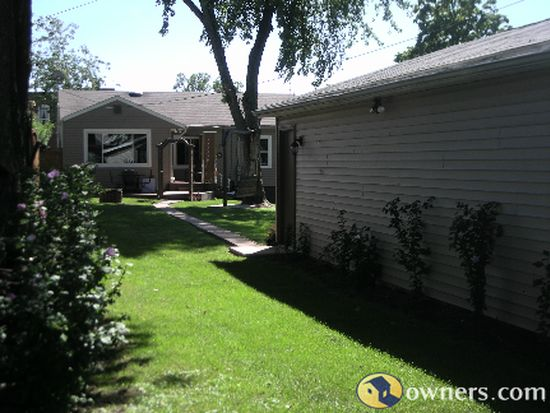 317 E Patterson Ave, Bellefontaine, OH 43311