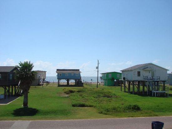 510 Seashell Dr, Freeport, TX 77541