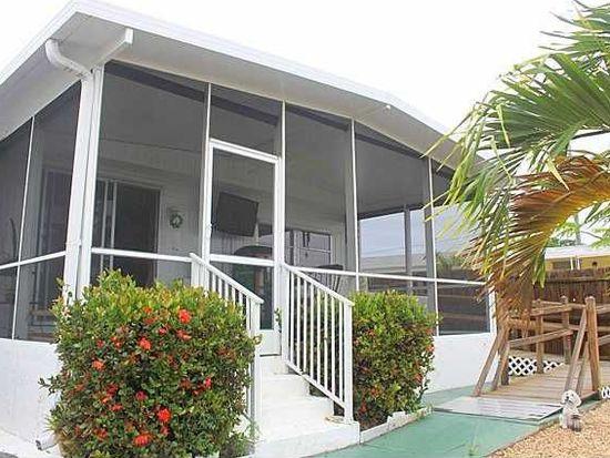 2855 Plumosa Ln, West Palm Beach, FL 33403