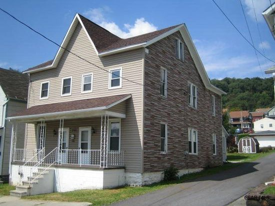 250 3rd St, Conemaugh, PA 15909