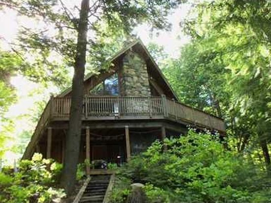 40 Waterview Dr, Casco, ME 04015