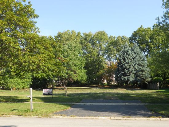 829 W Bauer Rd, Naperville, IL 60563
