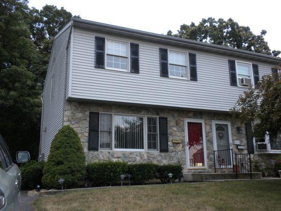 528 E Linden St, Fleetwood, PA 19522