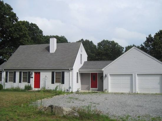 357 W Wrentham Rd, Cumberland, RI 02864