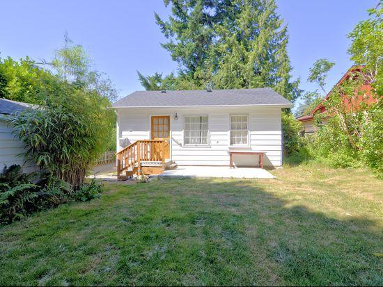13516 Ashworth Ave N, Seattle, WA 98133