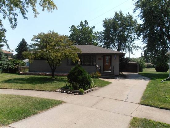 8433 5th Pl, Highland, IN 46322