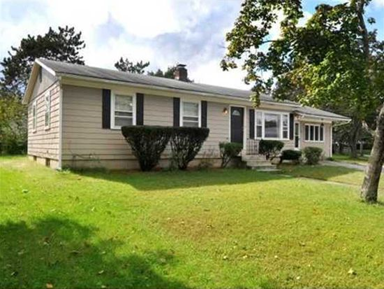 25 Coventry Dr, Coventry, RI 02816