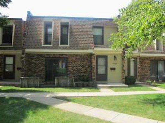 7784 Woodward Ave # 2E, Woodridge, IL 60517