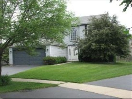 5 Michael Ct, Lake In The Hills, IL 60156