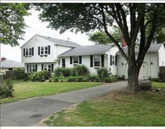 40 Willow Ave, Middletown, RI 02842