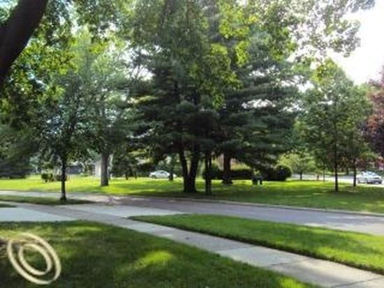 10839 Lincoln Dr, Huntington Woods, MI 48070