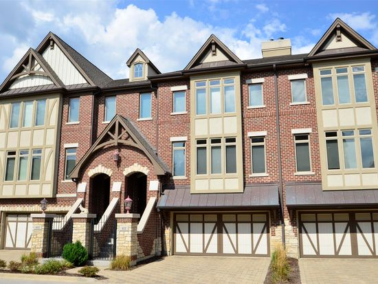 412 Brownstone Dr, St Charles, IL 60174