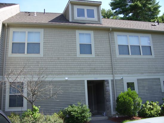 1305 Basswood Cir UNIT 1305, North Andover, MA 01845