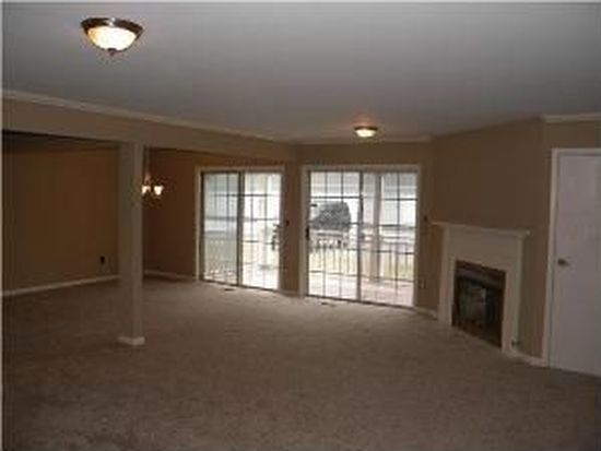 1085 Youngs Rd APT B, Amherst, NY 14221
