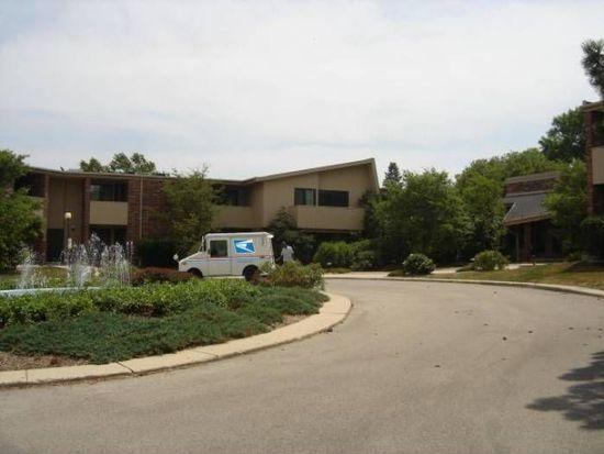 425 W Willow Ct APT 130, Milwaukee, WI 53217
