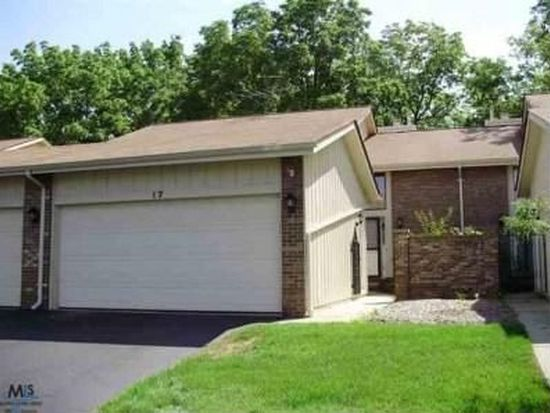 17 Kirks Ct, Rochester Hills, MI 48309