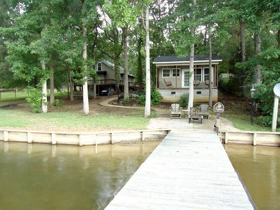 1007 Pineland Shores Cir, Cross Hill, SC 29332
