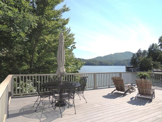 275 Deerwood Dr, Lake Lure, NC 28746