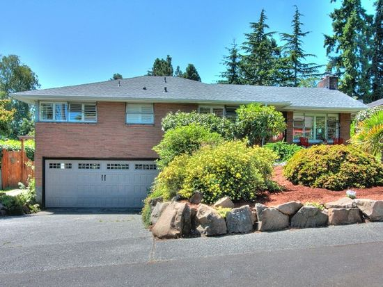 3809 SW 107th St, Seattle, WA 98146