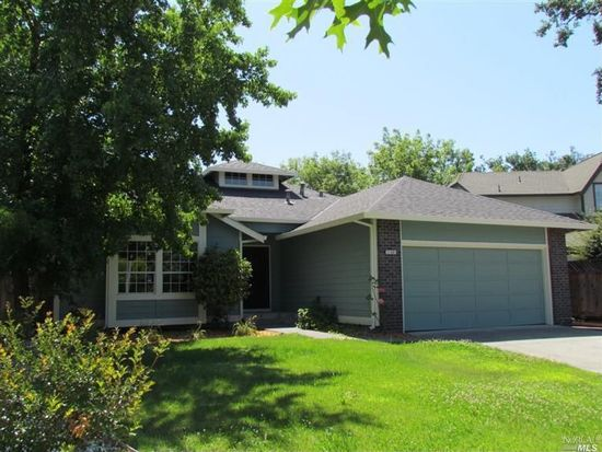 2780 Royal Oak Pl, Santa Rosa, CA 95403