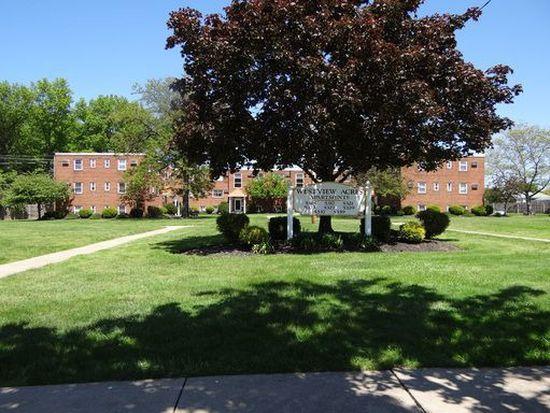 5386 Knollwood Dr APT 4, Parma, OH 44129