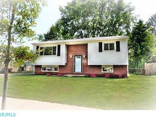 1916 Alsace Rd, Columbus, OH 43232