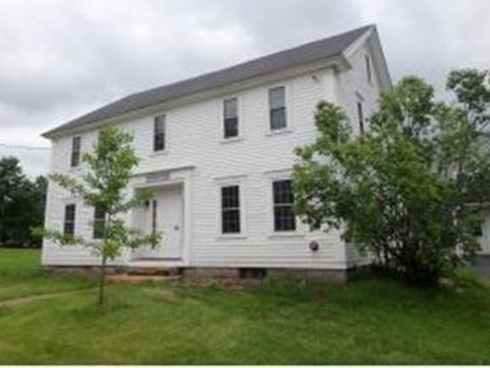 40 Chester St, Chester, NH 03036