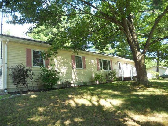 3 Woodland Hills Dr, Morrisonville, NY 12962