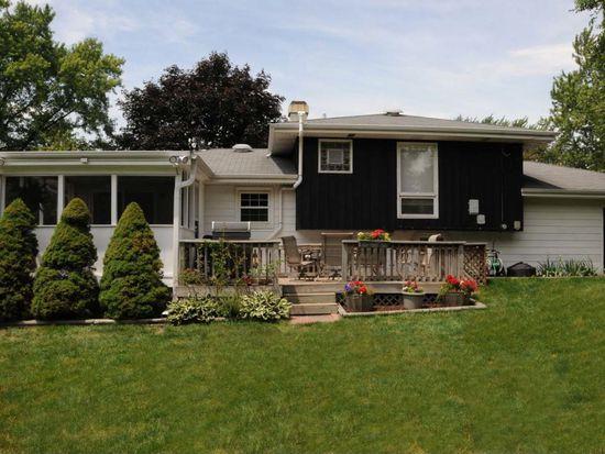 6121 Leonard Ave, Downers Grove, IL 60516