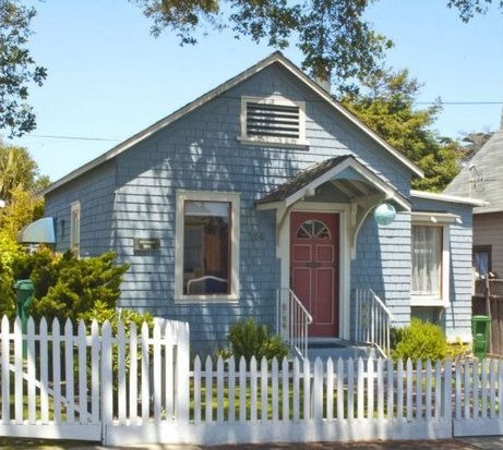 144 Carmel Ave, Pacific Grove, CA 93950