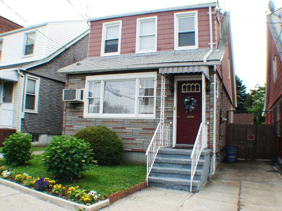 5362 70th St, Maspeth, NY 11378