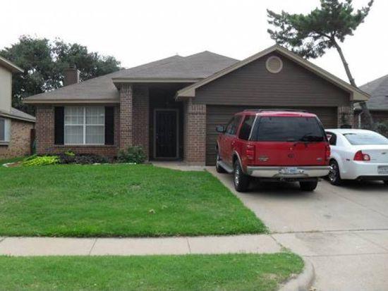 8613 Brushy Creek Trl, Fort Worth, TX 76118
