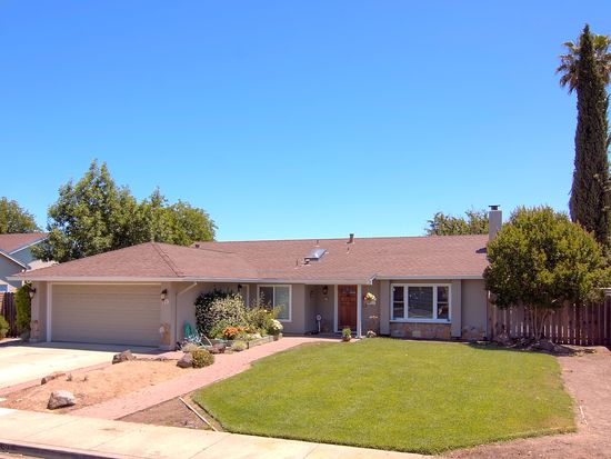 719 Curlew Rd, Livermore, CA 94551