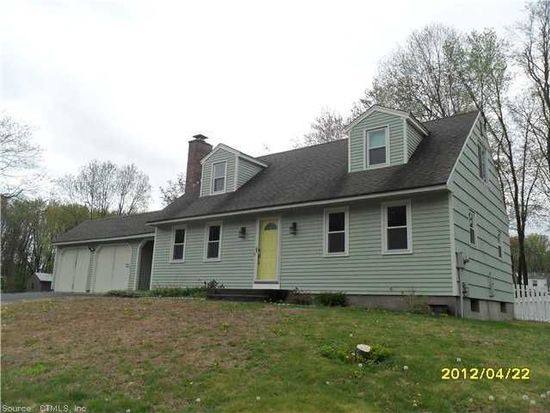 35 Edgewood Dr, Enfield, CT 06082