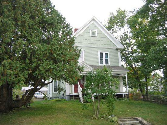 61 Oak St, Franklin, NH 03235