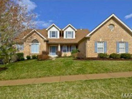 945 Timber Glen Ln, Ballwin, MO 63021