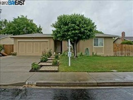 857 Murdell Ln, Livermore, CA 94550