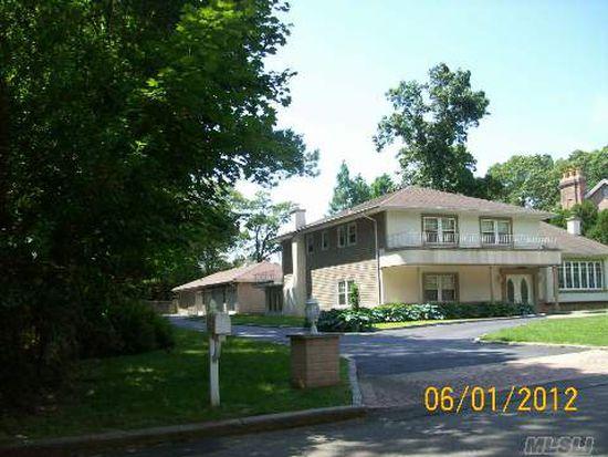 15 Hemingway Dr, Dix Hills, NY 11746