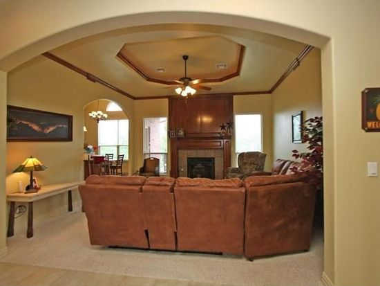 399 Canterbury Rd, Midwest City, OK 73130